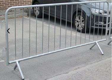 Hot - Dipped Galvanized Crowd Control Barricades Canada 1100X2200mm Size